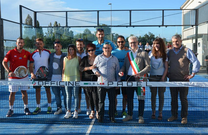 Foto di gruppo Italian Padel e Officine del Padel
