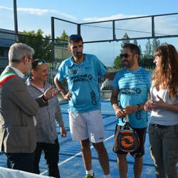 Da sinistra: Giampaolo Turini (Sindaco di Calvisano), Cristina Almici (Sindaco di Bagnolo Mella),  Claudio Galuppini (Italian Padel), Maria Teresa Vivaldini (assessore provinciale allo sport)