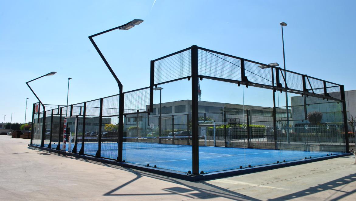 Dettagli di un campo da tennis paddle