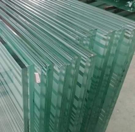spessore vetro campo padel